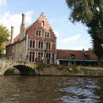 Belle maison au toit en escalier à Bruges