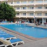 Lovely pool, well kept