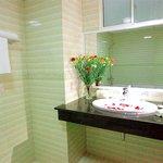 Deluxe Seaview Bathroom