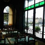 salle a manger vue sur l'Hérault
