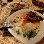Abendessen, Moussaka und Salat