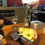 Pizza e vinho