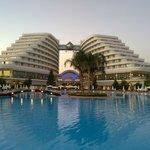 amazing hotel...!