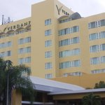 Hotel de frente