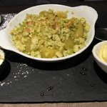 apple & pistachio crumble