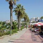 promenade de Ladies beach