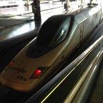 trens rápidos partem da estação