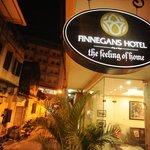 In front Finnegans hotel