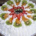 Gâteau anniversaire-tudy aux fruits