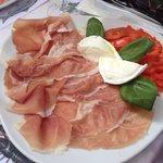 Parma, bufalo, tomatoes
