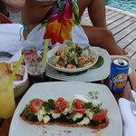 Great food on the swimming-pool / beach restaurant