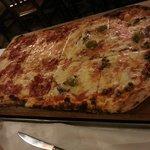 Mezzo metro di pizza