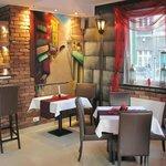 Club de Paris - restaurant & bar