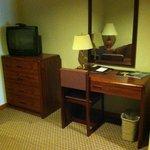 Desk, 2nd TV/bureau