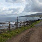 camino de salida del hotal hacia la costanera.