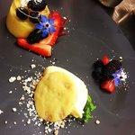Mango, berries, champagne jelly, white chocolate shortbread