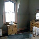 Residence with bathtub