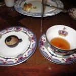 Little tea cup, big tea cup.