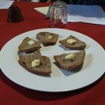 Crostini di segale al burro salato