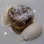 Pastel Omeya: bizcocho semilíquido, avellanas y canela