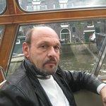 В Амстердаме кораблики не роскошь,а средство передвижения