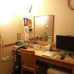 Toyoko Inn Daimon Hakodate Double Room Desk