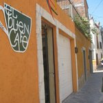 El Buen Café entrance