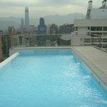vista da piscina sobre a cidade