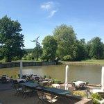 Terrasse Restaurant - umliegender Park und See