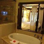 Crystal Lagoon Honeymoon Butler Suite - Oceanview