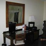 meuble bureau + télé plasma