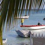 vue sur le lagon et port de pêche au petit déjeuner