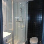 shower cabin with NO limescale anywhere!