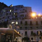 Вид на отель с причала