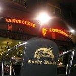 www.cerveceriacondedracula.com