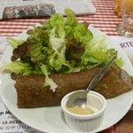 Galette Saucisse et salade