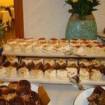 Postres de almendras y merengue