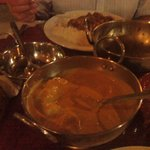 chicken korma and vindaloo in background