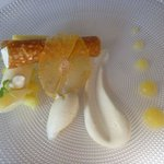Pina Colada: pochierte Ananas leichte Mousse von Rum und Kokosnuss