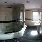 Bathroom (wide-angle) from door