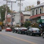 Frankfort Avenue Street Scene