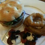 Beef burger with onion rings