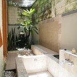 outdoor bath, clothes line & lil garden