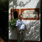 Front entrance of the Hotel el Rey Del Caribe