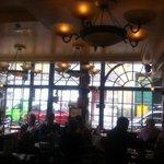Interno ristorante con vista esterna wellington street