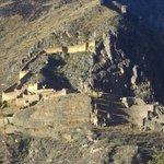 vue sur les ruines d'ollantaytambo depuis l'hotel