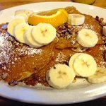 Banana Nut Pancakes.  2 die 4!