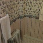 Banheiro limpo, reformado e aconchegante