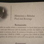 foto do informativo sobre horários do restaurante