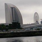 インターコンチネンタルホテルを海から